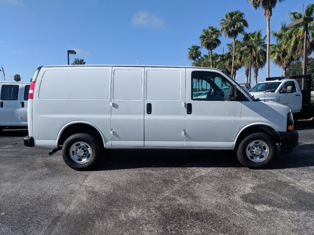 2019 Express 2500 4x2, Adrian Steel Commercial Shelving Upfitted Cargo Van #K1259948 - photo 4