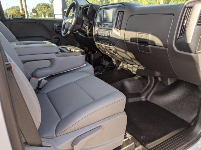 2019 Chevrolet Silverado 4500 Regular Cab DRW 4x2, Knapheide PGNB Gooseneck Platform Body #KH406333 - photo 13
