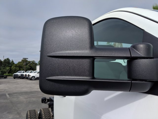 2019 Chevrolet Silverado 4500 Regular Cab DRW RWD, Cab Chassis #KH608769 - photo 11