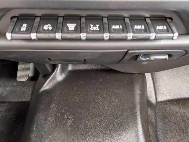 2019 Chevrolet Silverado 4500 Regular Cab DRW 4x4, Cab Chassis #KH678602 - photo 17