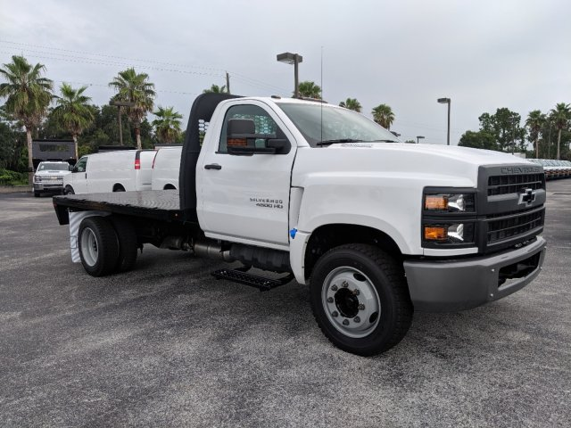 2019 Silverado Medium Duty Regular Cab DRW 4x2,  Knapheide PGNB Gooseneck Platform Body #KH851520 - photo 3