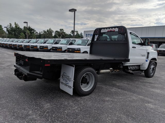 2019 Silverado Medium Duty Regular Cab DRW 4x2,  Knapheide Platform Body #KH851520 - photo 1