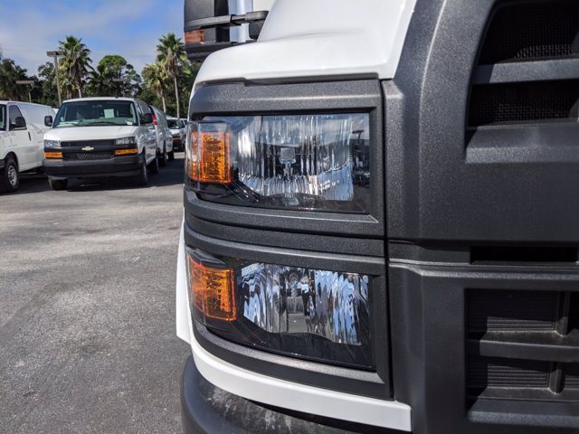 2019 Silverado 5500 Regular Cab DRW 4x2, J&B Truck Body Dry Freight #KH862836 - photo 9