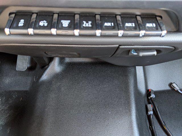 2019 Chevrolet Silverado 5500 Regular Cab DRW 4x2, Reading Classic II Steel Service Body #KH885244 - photo 19
