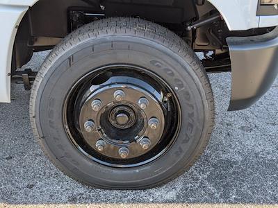 2019 Chevrolet Silverado 5500 Regular Cab DRW 4x2, Reading Classic II Steel Service Body #KH885244 - photo 11