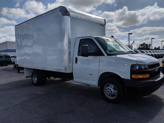 2020 Express 3500 4x2, Rockport Cutaway Van #L1142927 - photo 3