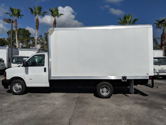 2020 Express 3500 4x2, Rockport Cutaway Van #L1142927 - photo 7