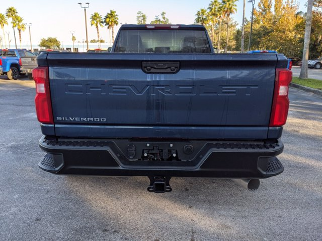 2021 Chevrolet Silverado 3500 Crew Cab 4x4, Pickup #MF115474 - photo 5