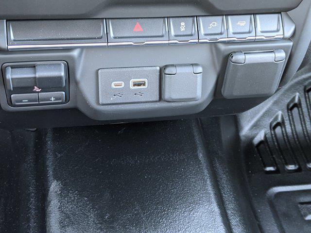 2021 Chevrolet Silverado 2500 Crew Cab 4x2, Reading SL Service Body #MF150407 - photo 21
