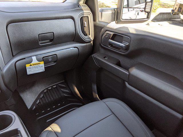 2021 Chevrolet Silverado 2500 Crew Cab 4x2, Reading SL Service Body #MF193724 - photo 17
