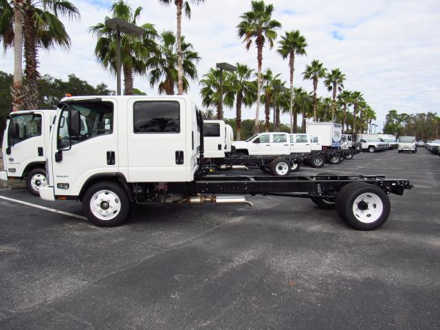 2016 Low Cab Forward Crew Cab, Cab Chassis #gs813814 - photo 3