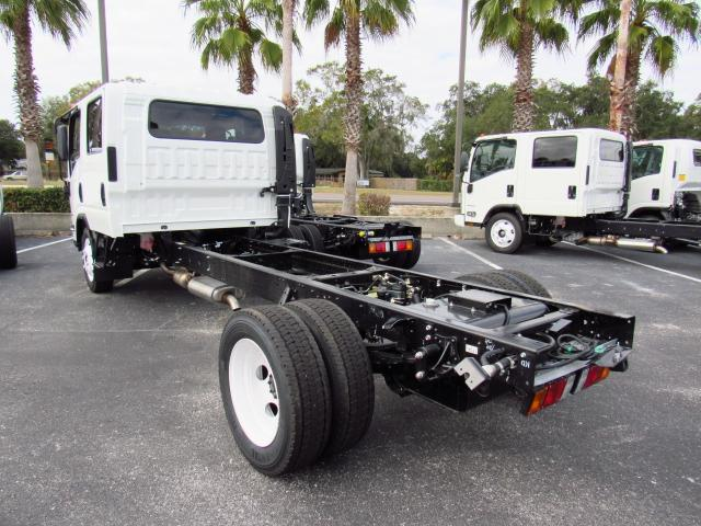 2016 Low Cab Forward Crew Cab, Cab Chassis #gs813814 - photo 2