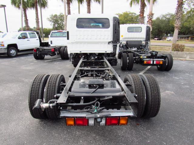 2016 Low Cab Forward Crew Cab, Cab Chassis #gs813814 - photo 4