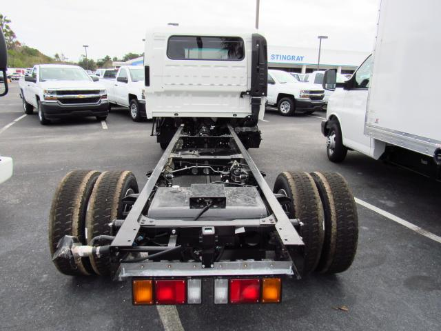2016 Low Cab Forward Crew Cab, Cab Chassis #gs813815 - photo 4