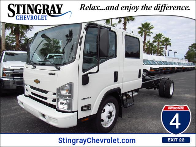 2016 Low Cab Forward Crew Cab, Cab Chassis #gs813817 - photo 1