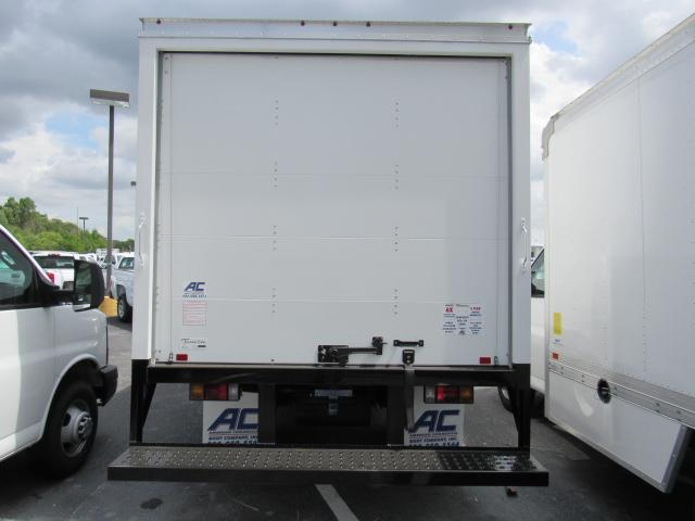 2017 Low Cab Forward Regular Cab, American Commercial Dry Freight #h7002426 - photo 2