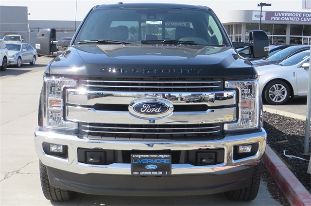 2018 F-250 Crew Cab 4x4, Pickup #F32303 - photo 3