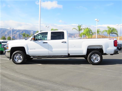 2018 Silverado 2500 Crew Cab 4x4, Pickup #T18071 - photo 4