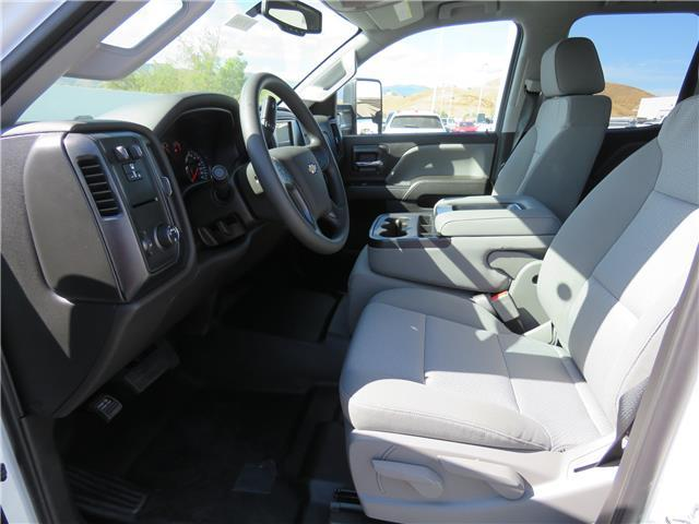 2018 Silverado 2500 Double Cab, Harbor TradeMaster Service Body #T18101 - photo 14