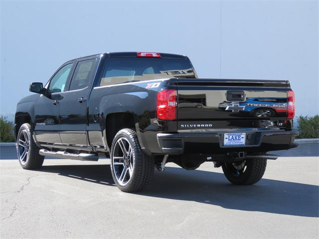 2018 Silverado 1500 Crew Cab 4x4, Pickup #T18326 - photo 2