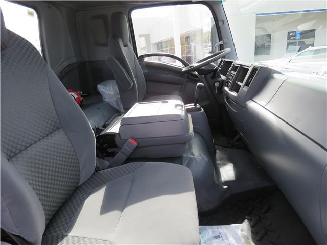 2018 LCF 6500XD Regular Cab, Cab Chassis #T18368 - photo 5