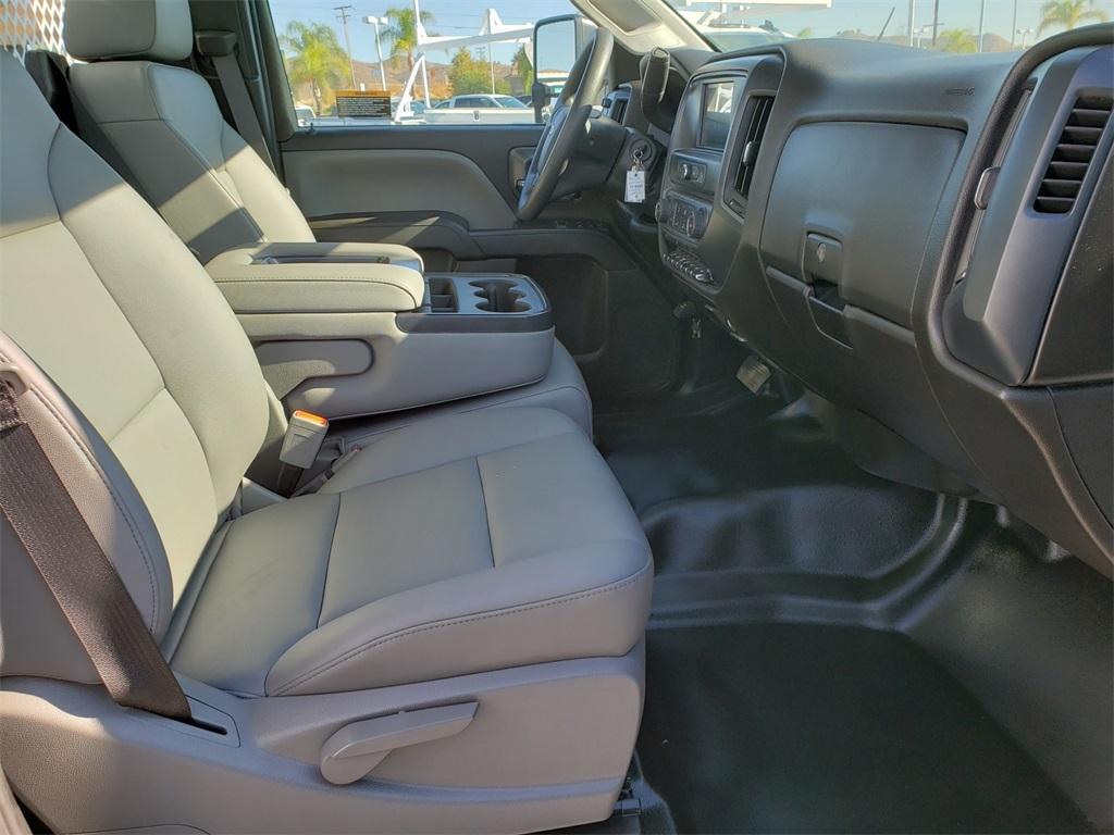 2019 Chevrolet Silverado Medium Duty Regular Cab DRW 4x2, SoCal Upfitters Stake Bed #T19392 - photo 5