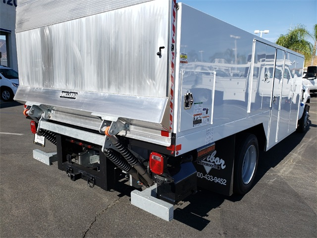 2019 Silverado Medium Duty Regular Cab DRW 4x2,  Harbor SawMaster Saw Body #T19422 - photo 2