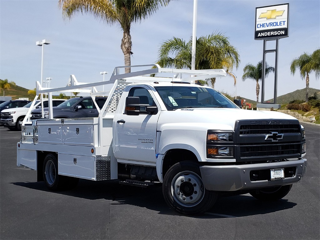 2019 Chevrolet Silverado 5500 Regular Cab DRW 4x2, Scelzi Contractor Body #T19468 - photo 1