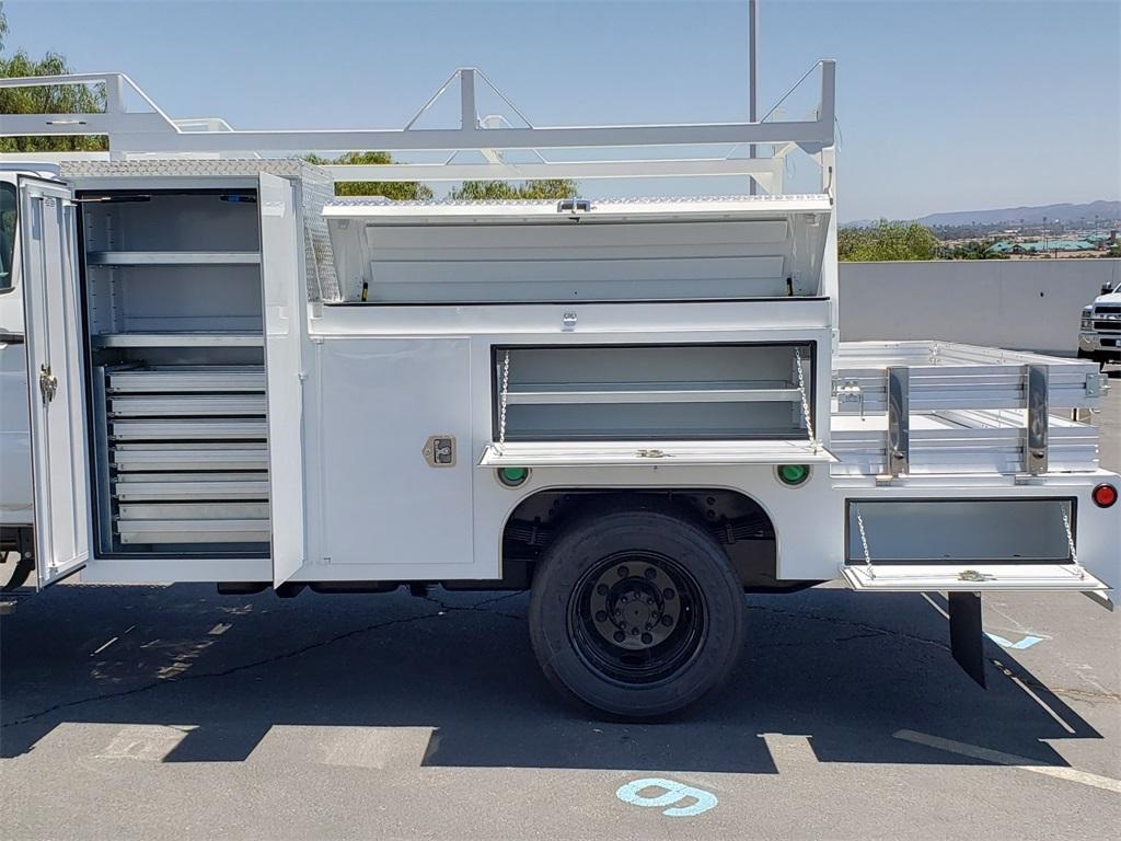 2020 Chevrolet Silverado 5500 Crew Cab DRW 4x2, Scelzi SEC Combo Body #T20376 - photo 10