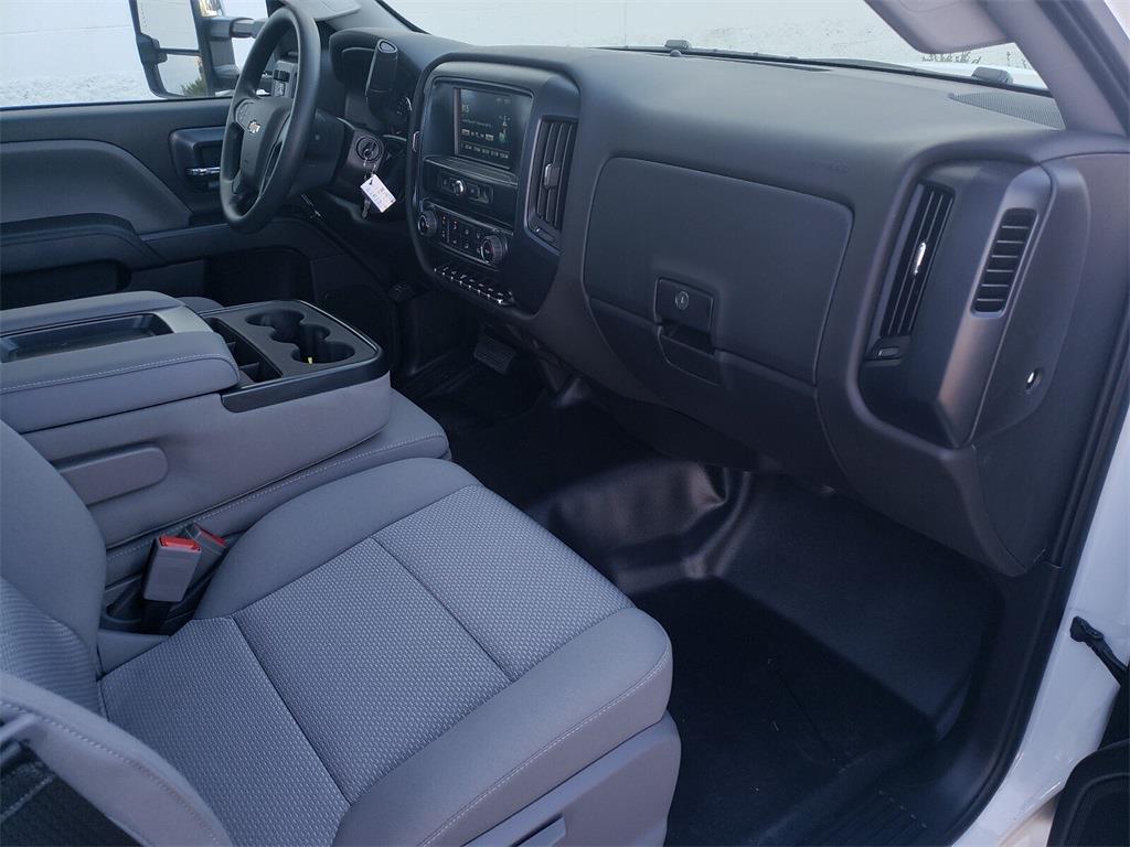 2020 Chevrolet Silverado 6500 Regular Cab DRW 4x2, Knapheide Saw Body #T20598 - photo 11