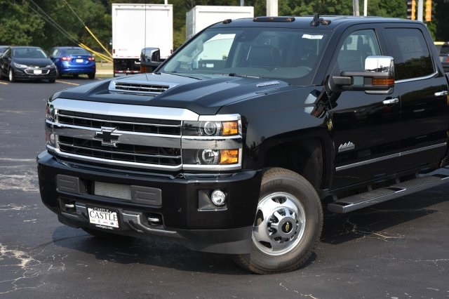 2018 Silverado 3500 Crew Cab 4x4,  Pickup #63534 - photo 3