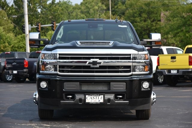 2018 Silverado 3500 Crew Cab 4x4,  Pickup #63534 - photo 4