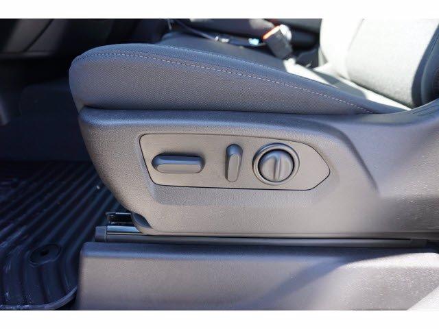 2020 Chevrolet Silverado 1500 Crew Cab RWD, Pickup #102334 - photo 11