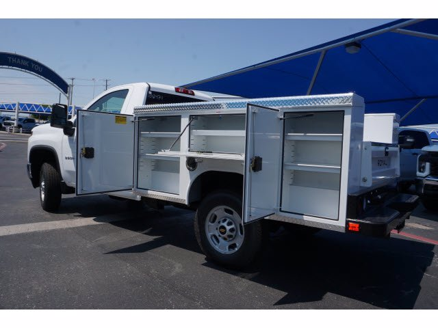 2020 Chevrolet Silverado 2500 Regular Cab RWD, Royal Service Body #102434 - photo 3