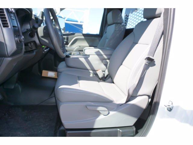2020 Chevrolet Silverado 5500 Regular Cab DRW RWD, Knapheide PGNB Gooseneck Platform Body #102464 - photo 11