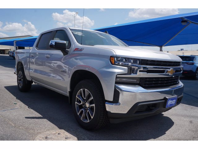 2020 Chevrolet Silverado 1500 Crew Cab 4x4, Pickup #102528 - photo 3