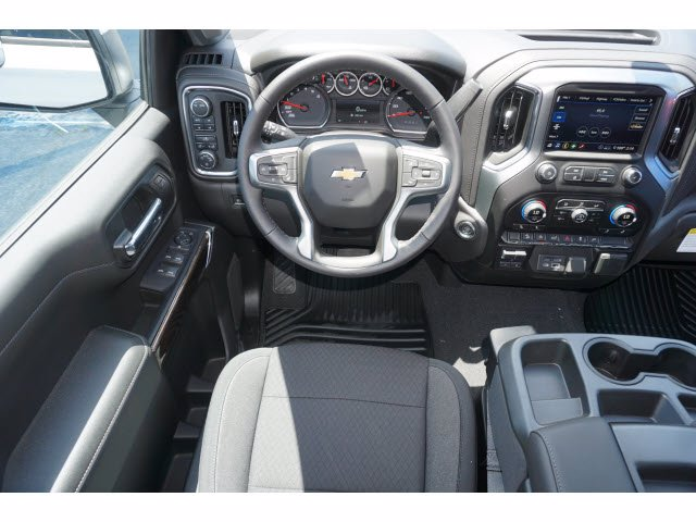 2020 Chevrolet Silverado 1500 Crew Cab 4x4, Pickup #102528 - photo 7