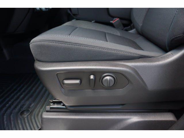 2020 Chevrolet Silverado 1500 Double Cab 4x2, Pickup #102548 - photo 11