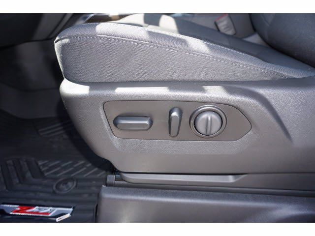 2020 Chevrolet Silverado 1500 Crew Cab 4x4, Pickup #102576 - photo 12