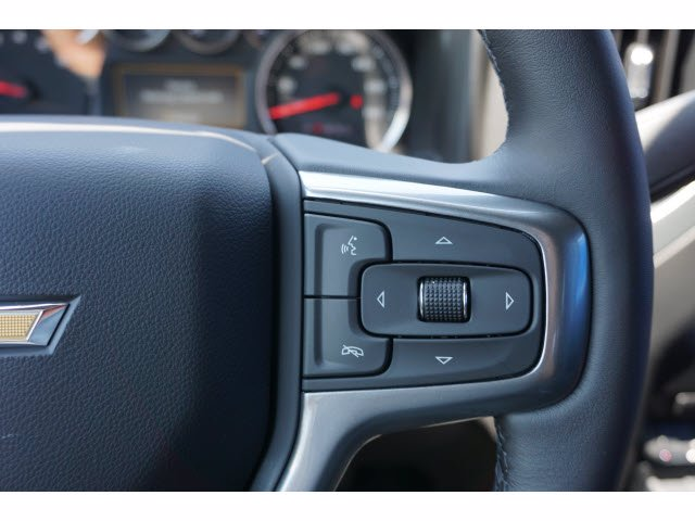 2020 Chevrolet Silverado 1500 Crew Cab 4x4, Pickup #102596 - photo 18