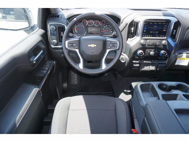 2020 Chevrolet Silverado 1500 Crew Cab 4x4, Pickup #102596 - photo 7