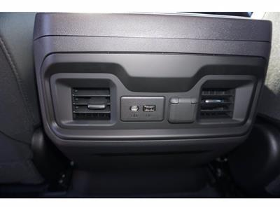 2020 Chevrolet Silverado 1500 Crew Cab 4x4, Pickup #102676 - photo 17