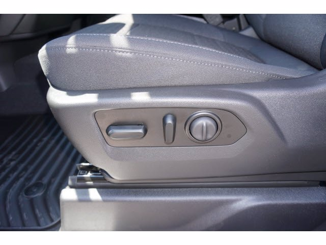 2020 Chevrolet Silverado 1500 Crew Cab 4x4, Pickup #102741 - photo 15