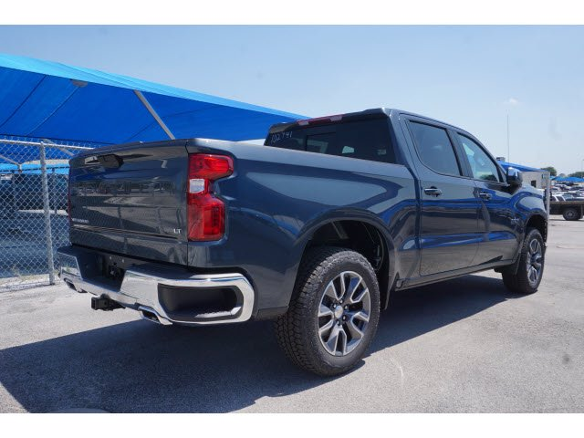 2020 Chevrolet Silverado 1500 Crew Cab 4x4, Pickup #102741 - photo 4