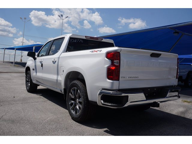 2020 Chevrolet Silverado 1500 Crew Cab 4x4, Pickup #102776 - photo 2