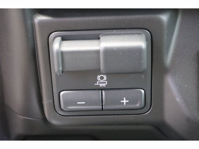 2020 Chevrolet Silverado 1500 Crew Cab 4x4, Pickup #102892 - photo 12
