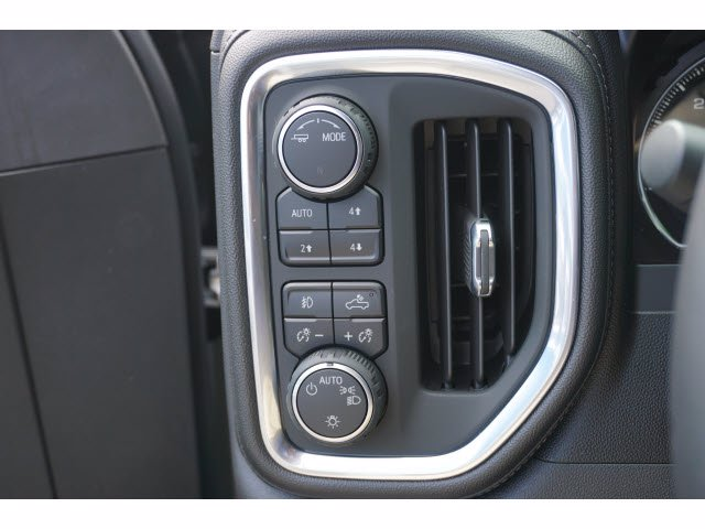 2020 Chevrolet Silverado 1500 Crew Cab 4x4, Pickup #102892 - photo 14