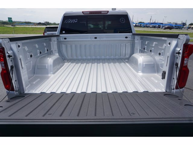 2020 Chevrolet Silverado 1500 Crew Cab 4x4, Pickup #102892 - photo 20