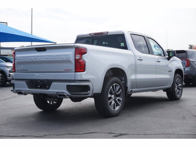 2020 Chevrolet Silverado 1500 Crew Cab 4x4, Pickup #102892 - photo 3