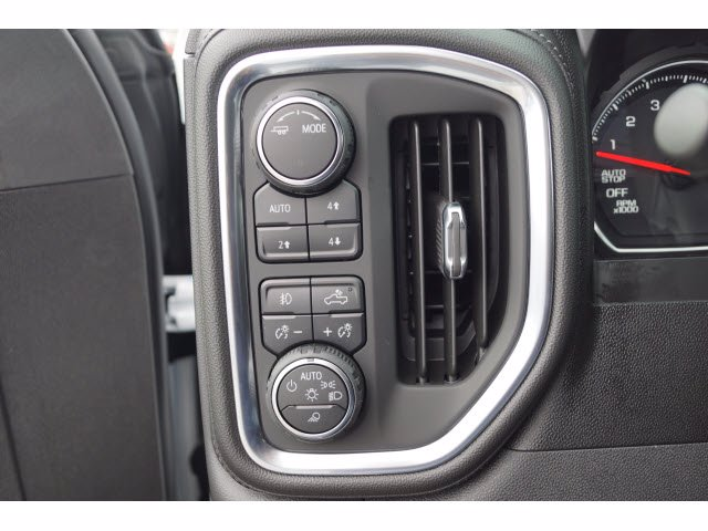 2020 Chevrolet Silverado 1500 Crew Cab 4x4, Pickup #102900 - photo 15